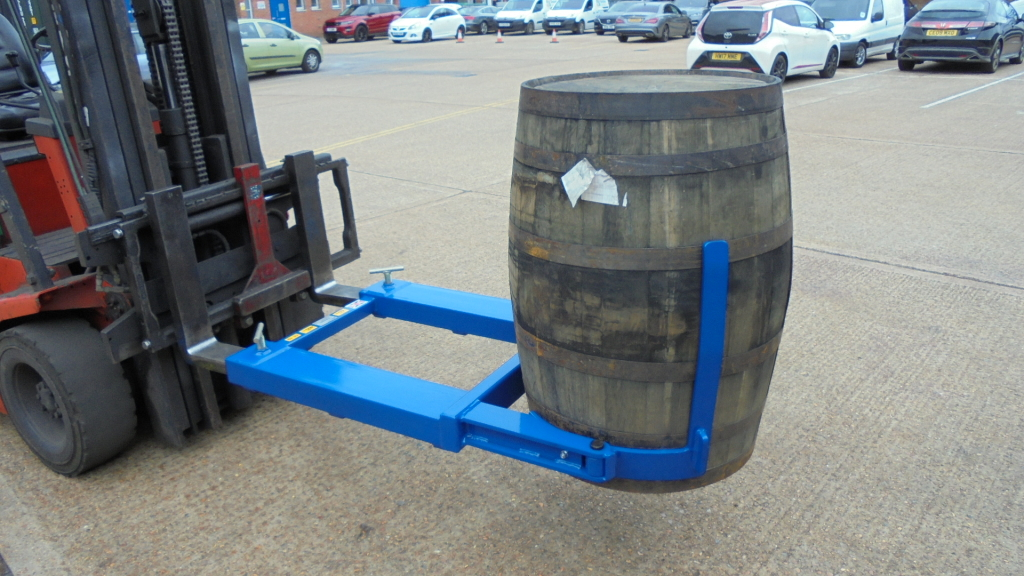 1-DLR-BG Whiskey Barrel